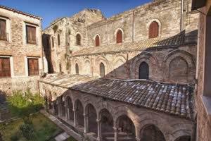 Chiostro Chiesa Magione Palermo
